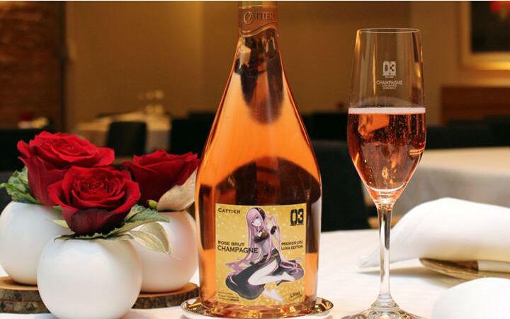 买来庆祝8周年!巡音露卡与法国香槟品牌推出联动香槟