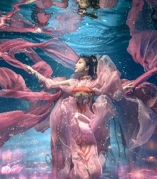 水下拍摄超美!《剑侠情缘叁》七秀的COSPLAY欣赏
