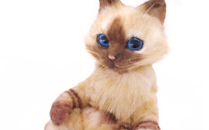 来!吸猫! 《怪物猎人》推出仿真艾露猫布偶