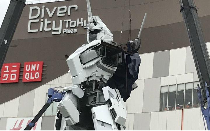 日本台场1:1独角兽高达即将建成!网友现场照照片
