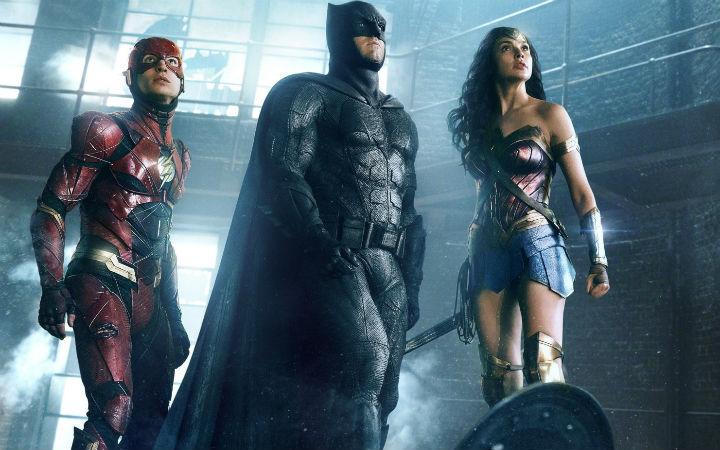 《正义联盟》首日票房破亿 蝙蝠侠人设狂遭吐槽