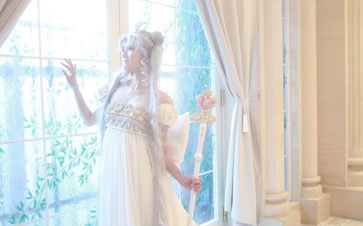 网友手工制作《美少女战士》倩尼迪女王礼服