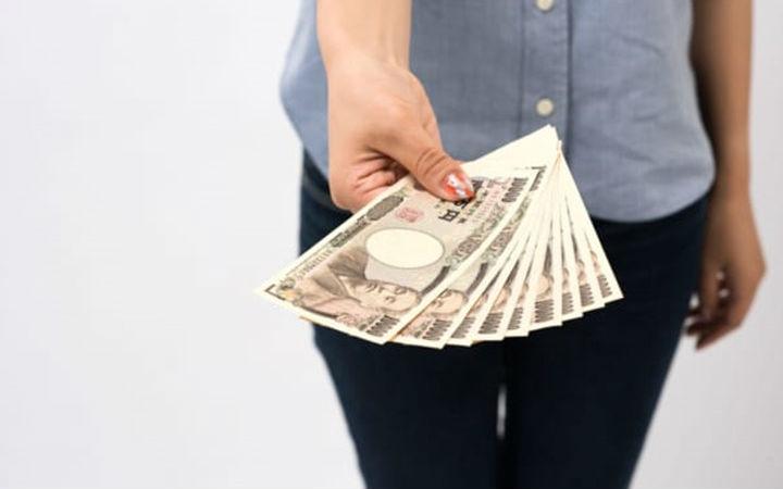 丈夫借上百万日元氪手游!妻子怒卖丈夫的稀有角色