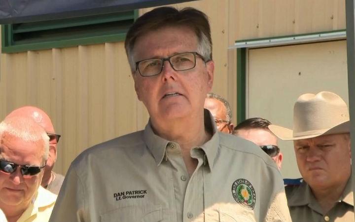 错在游戏和教育等而不是枪!德克萨斯副州长分析枪击案原因