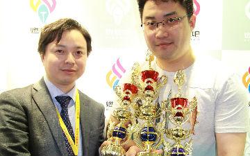 于彦舒斩获四项国际大奖 动漫节现场奖杯抱到手软