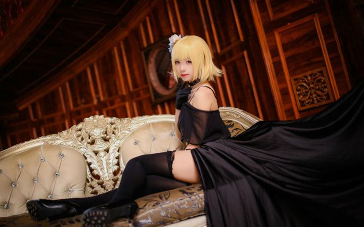黑丝长腿!《Fate/GO》礼装贞德COSPLAY欣赏