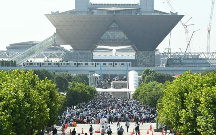 """不畏酷暑参加""""圣战""""!C94首日到场人数为16万人"""