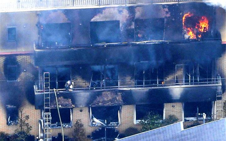 京阿尼火灾被控制的男子承认泼洒液体 附近居民回顾事发情况