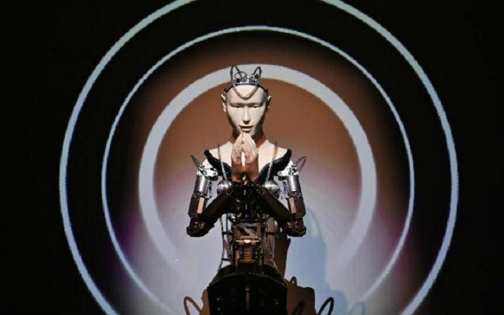 【每日话题】古刹里的智能观音 仿生菩萨会梦见电子佛吗?