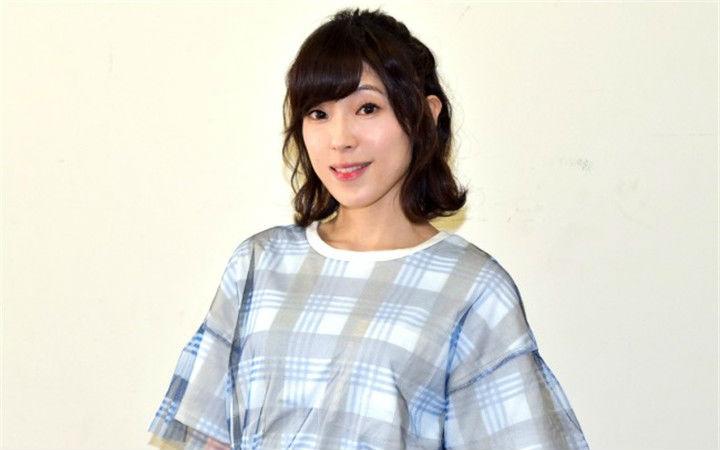 曾为《偶像大师》等作品配音的声优中村绘里子宣布结婚