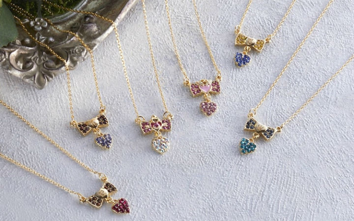 《美少女战士Eternal》推出使用施华洛世奇水晶的首饰