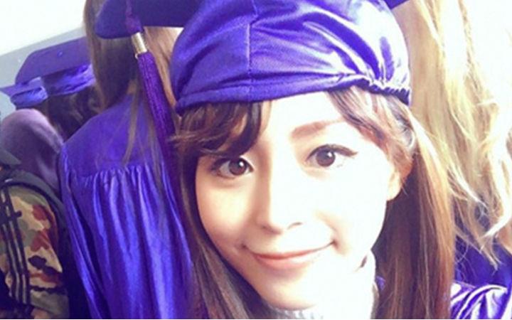 也算镀金了!平野绫纽约短留学顺利毕业返回日本