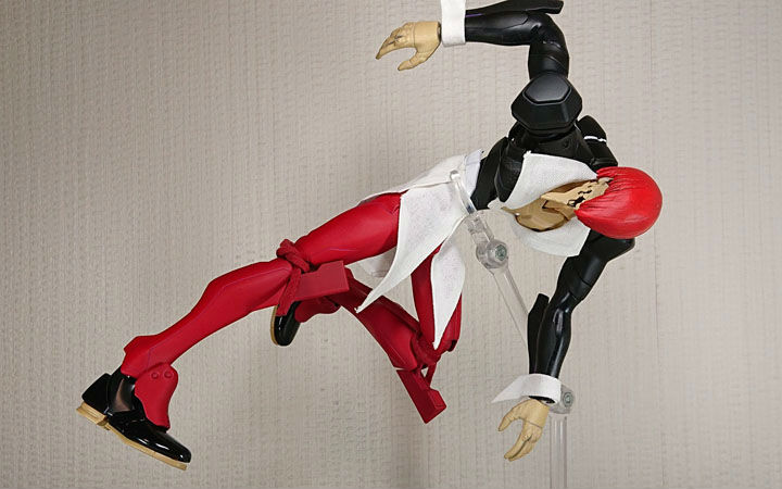 EVA初号机模型变身《拳皇》八神庵!