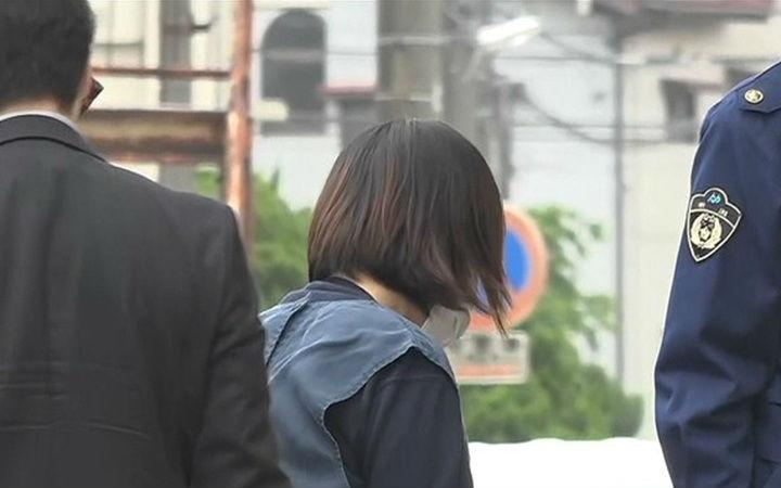 日本女性用两升水冒充PS5进行诈骗被逮捕
