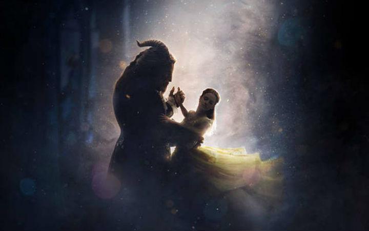 迪士尼真人版《美女与野兽》首支预告片公布
