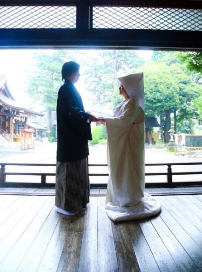 摔♂♀出来的情缘!声优清水爱推特宣布结婚